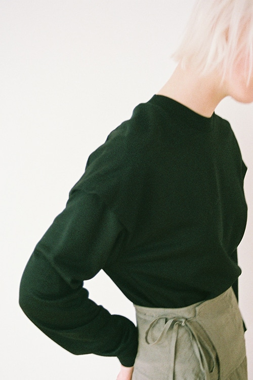 SHOULDER TUCK TOPS