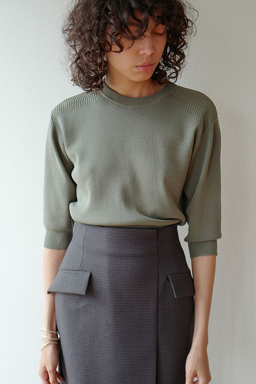 HALF SLEEVE BASIC COMPACT KNIT TOPS