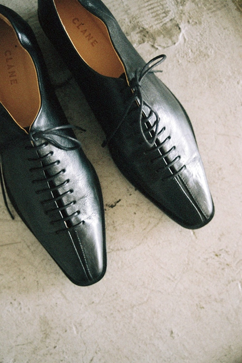 SLIM LONG LACE UP SHOES