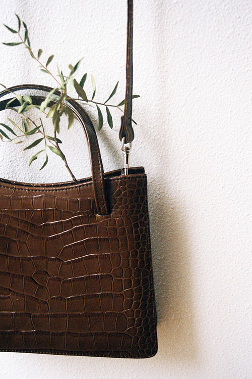 CROCO THIN HAND BAG