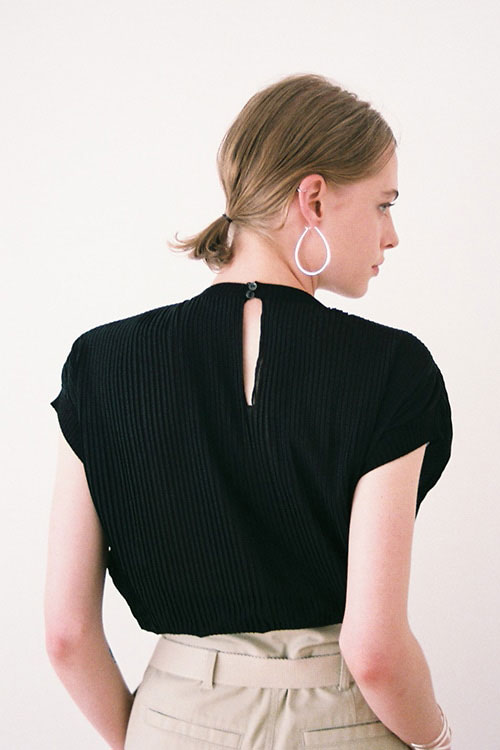 PLEAT BALLOON TOPS