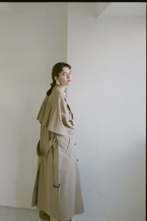 BACK FRILL TRENCH COAT