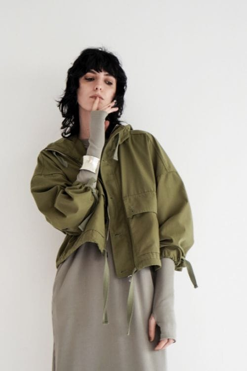WIDE SHORT MOUNTAIN PARKA