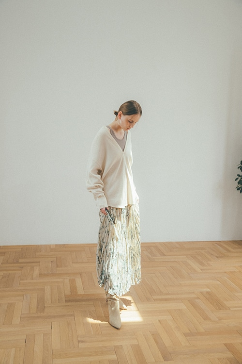 OLD FLOWER PLEAT LONG SKIRT