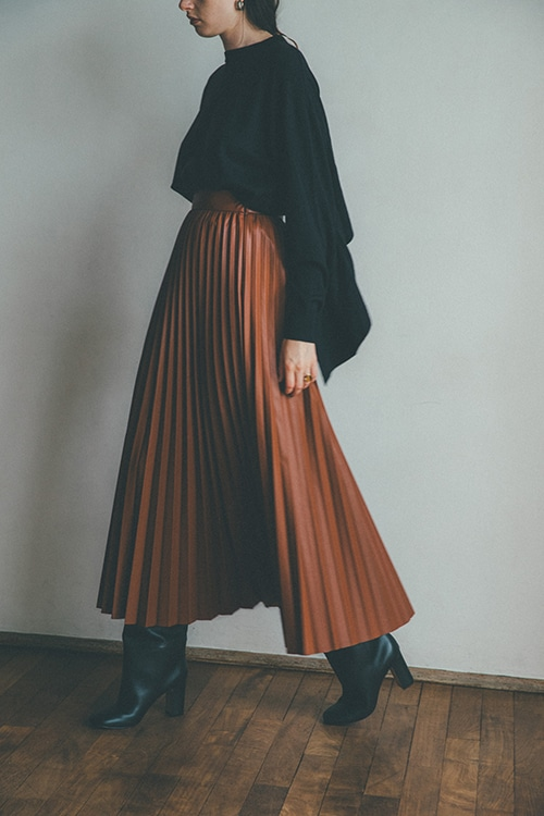 ACCORDION PLEAT LEATHER SKIRT