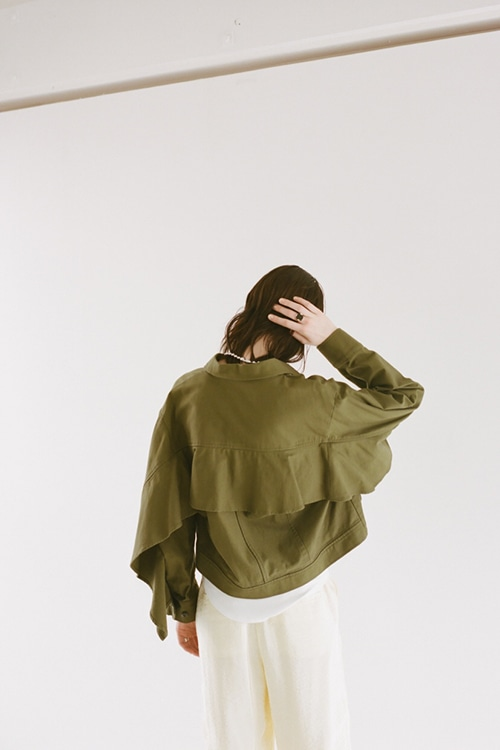 BACK FRILL MILITARY JACKET